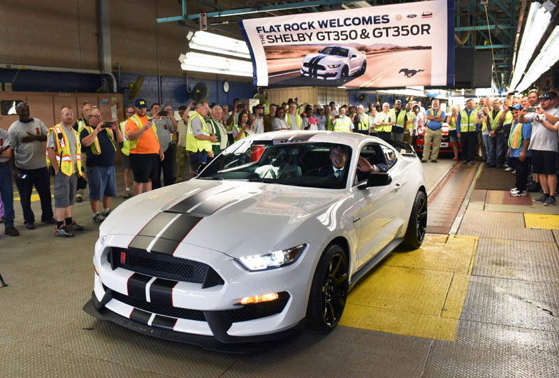 Mustang_Shelby_GT350R-2 (1)