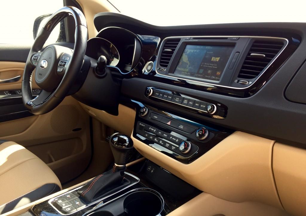 2015-Kia-Sedona-SXL-interior-low